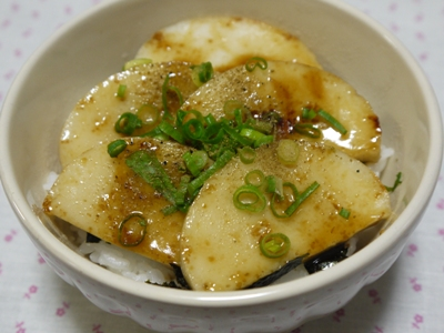 かまぼこの鰻風丼