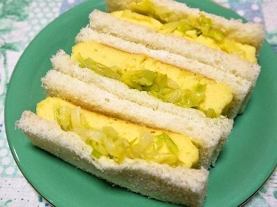「お弁当たまご」とキャベツのサンドイッチ