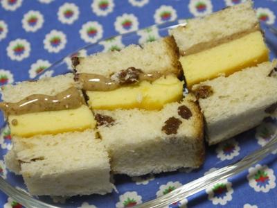 「お弁当たまご」とピーナッツのサンドイッチ
