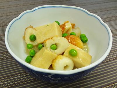 ちくわと焼大根、高野豆腐の煮物完成