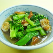 No.25017(料理25-022)ちくわと緑野菜のガーリックスープ完成